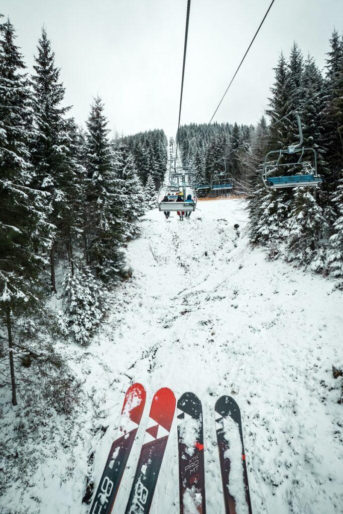 σκι στο χιόνι